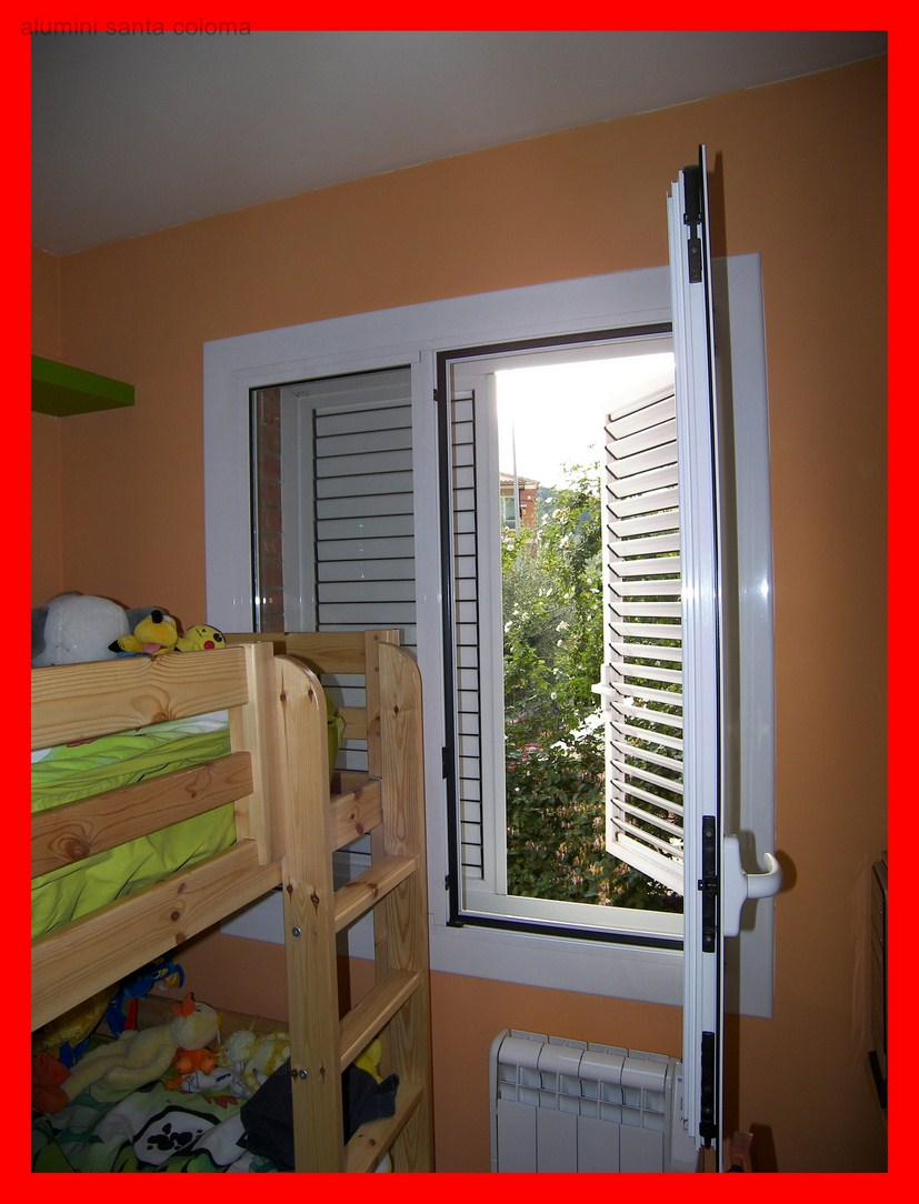 Casa de este alojamiento montaje ventanas de aluminio a for Precio poner ventanas aluminio