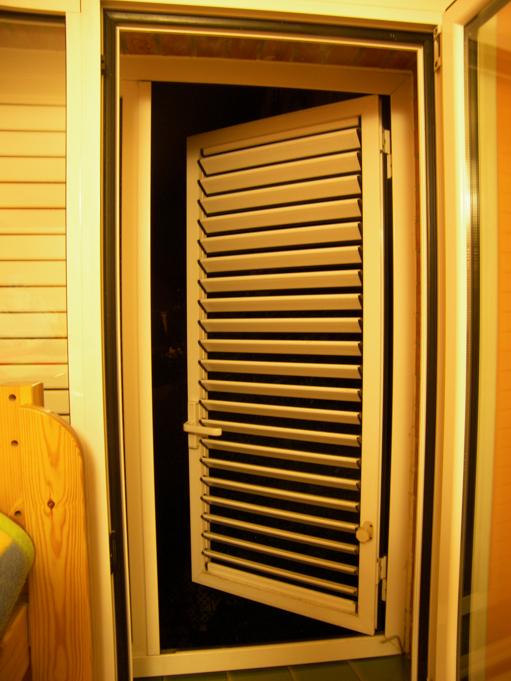 Porticones de madera precios good de with porticones de for Porticones madera exteriores